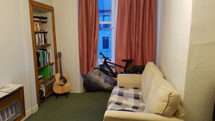 Small living room with double sofa bed - Edinburgh