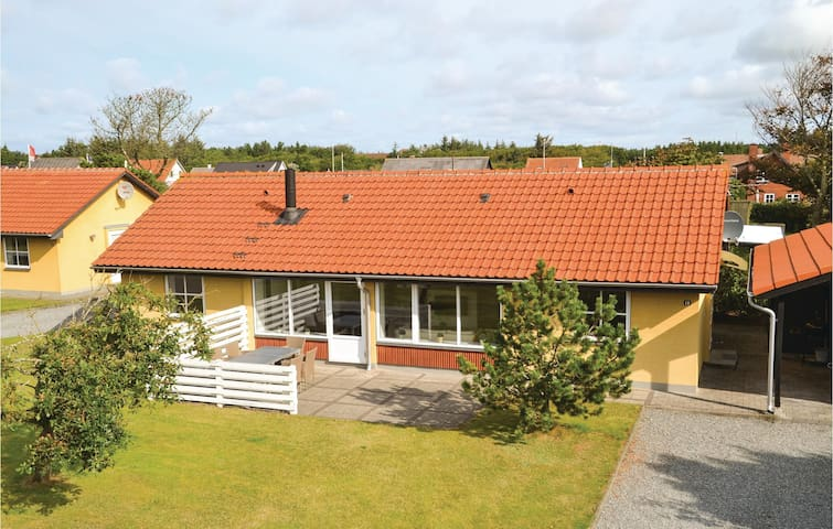 Holiday cottage with 3 bedrooms on 96m² in Nørre Nebel