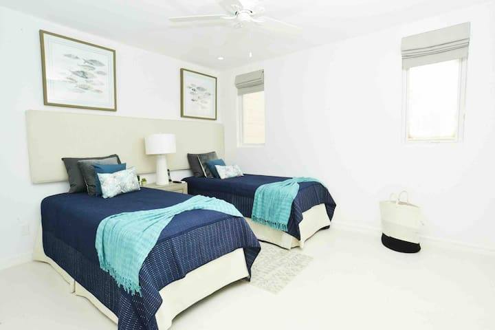 Folkstone - Bedroom 3