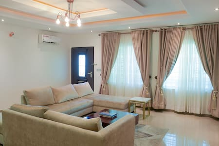 Lovely Pent Apartment in a Family Friendly Estate