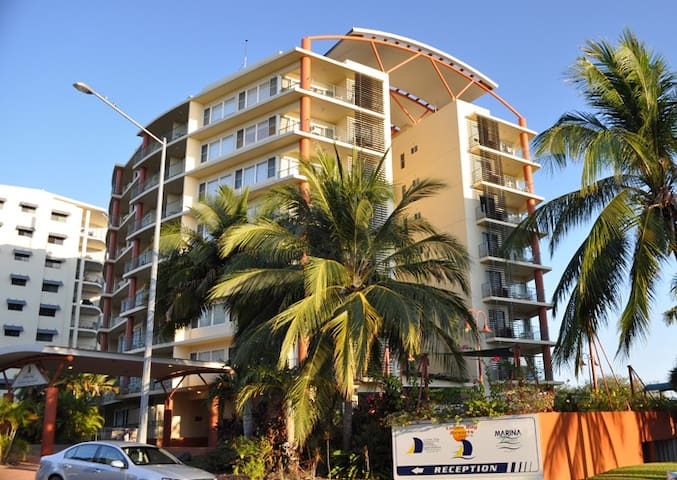 Sunsets @ Cullen Bay Resort- 1 Bed Apartment - Larrakeyah - Lejlighed