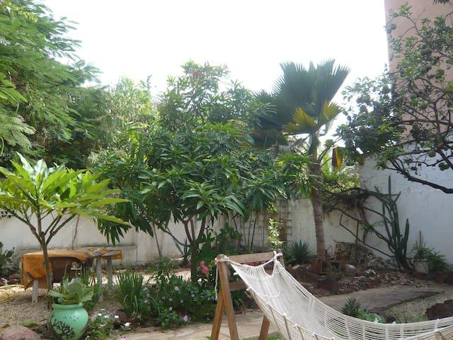 Chambre avec jardin 300m de l'Océan