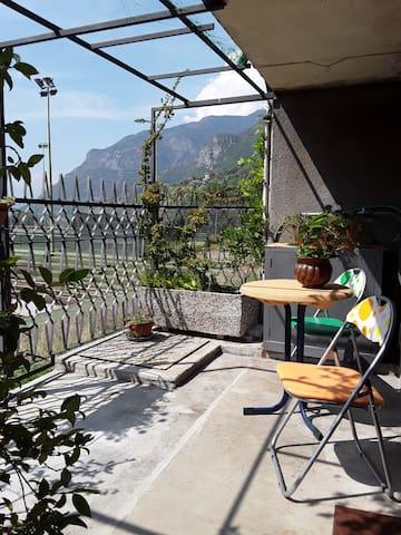 Il terrazzino....con  gelsomino e glicine....