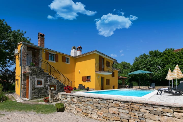 Holiday home Casa Mikales with swimming pool
