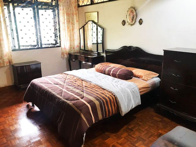 Damansara Heights Cozy & Classic Master Bedroom
