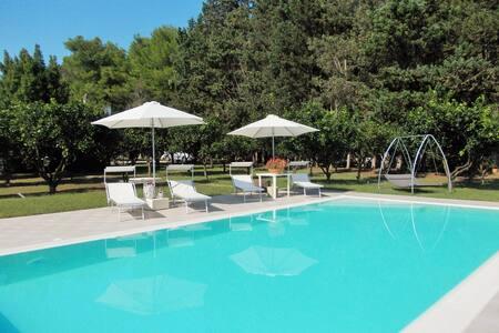 Villa I 2 Leoni - Appartamento a 4 km da Lecce