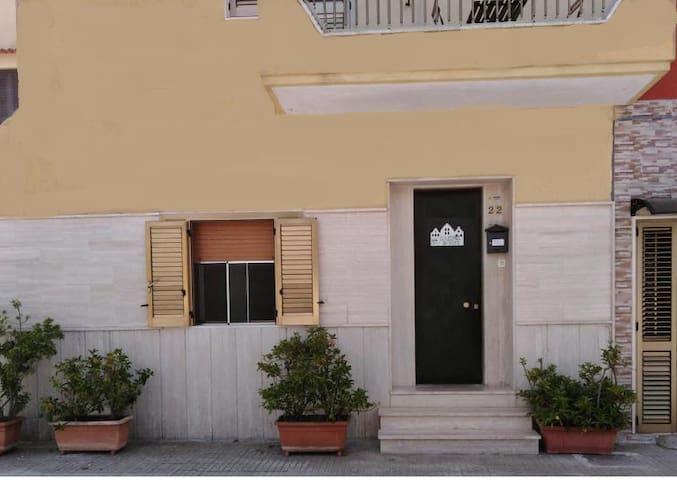 GallipoliDiVino -  Casa indipendente con giardino