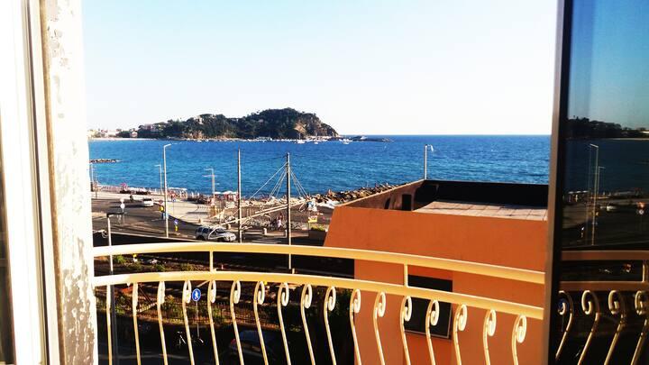 Appartamento Sestri Levante con vista sul mare.