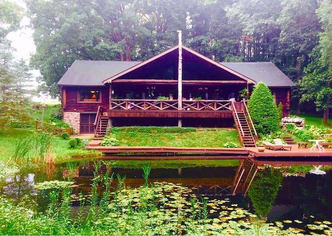 Luxurious Grand Log Cabin - Millersburg - House