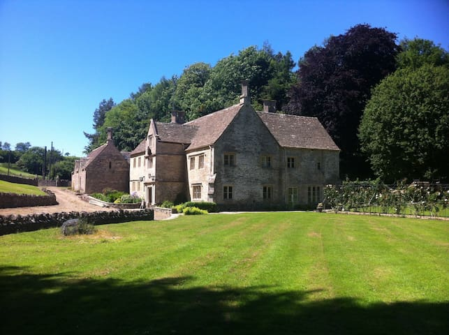 Wishanger-Manor Bed and Breakfast - Miserden