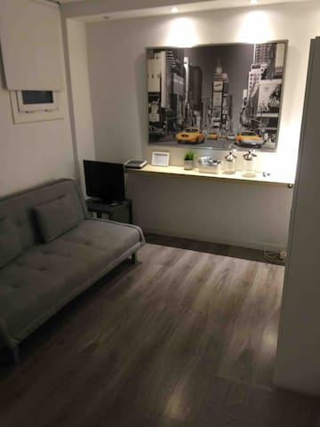 Cozy studio in Barcelona city center WIFI