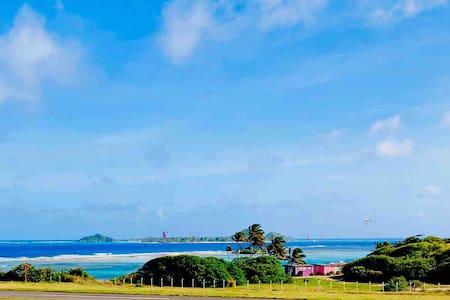 Ocean View Apartment - Amazing Location!