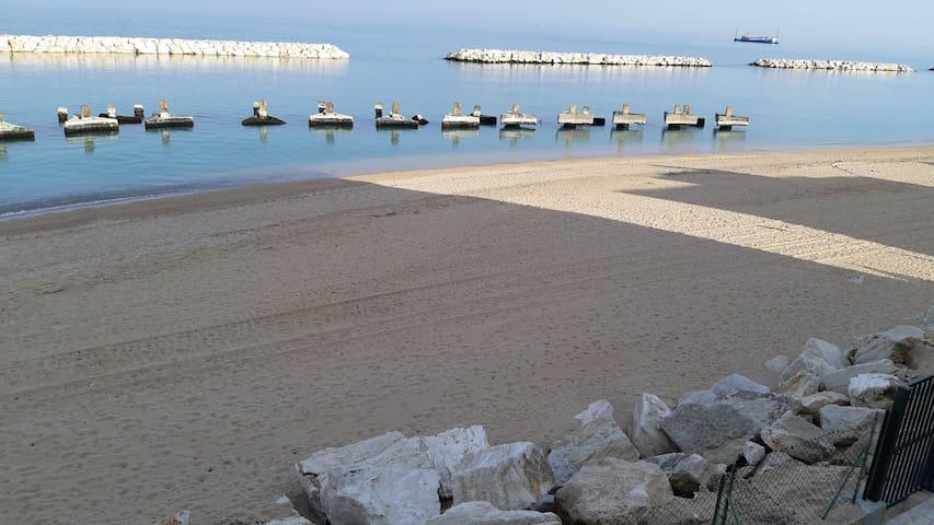 DIRETTAMENTE sulla spiaggia e visite  borghi
