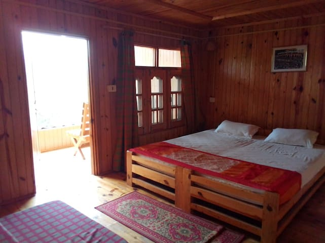 Palampur Eco Farm for adventurers & nature-lovers