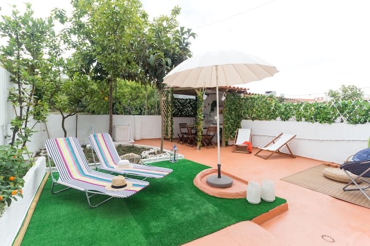 Terrace Tagus River– Seixal Modern and renewed APT