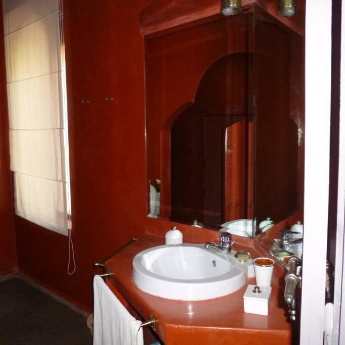 Salle de bains Grenat
