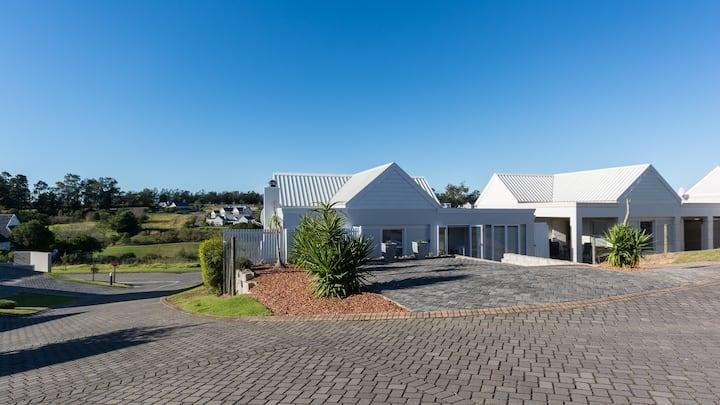 21 Manor on Kingswood Golf Estate
