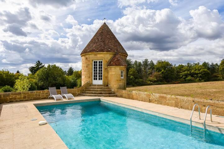 Prachtig herenhuis met verwarmd privézwembad, midden in een eikenbos