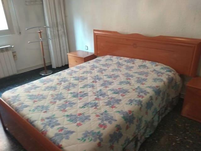Acogedora habitación  privada en Albacete