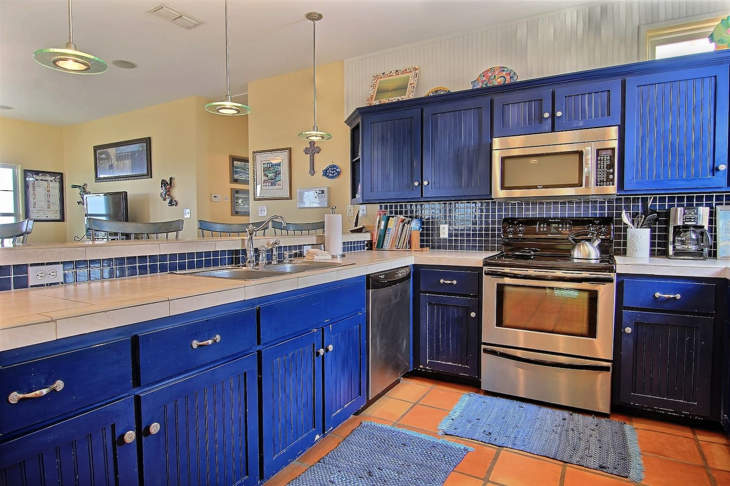 Ample room for the chef to make wonderful dishes in this gourmet kitchen! Fully stocked with lots of space!
