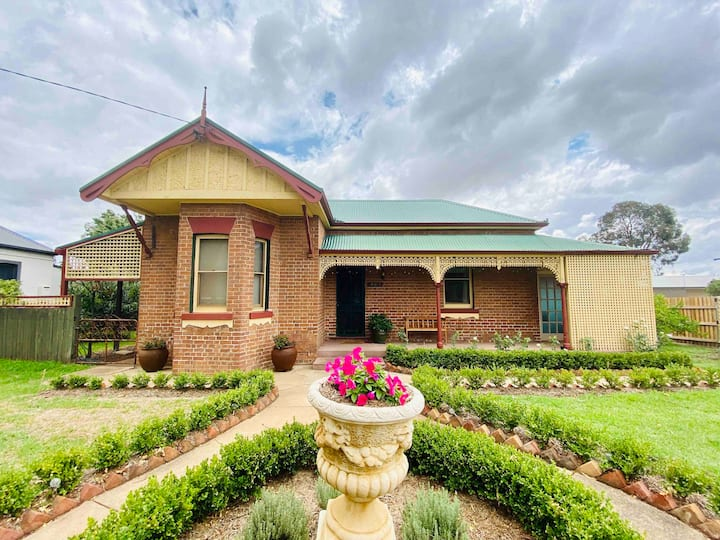 Avoca House - Circa 1900 Gorgeous Federation Home
