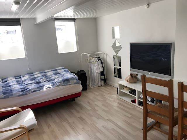 Great room near airport and center of Copenhagen! - Kastrup - House