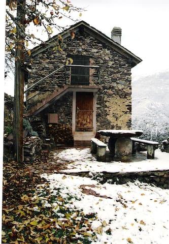 Maison pour les vacances d'hiver - Roure - House