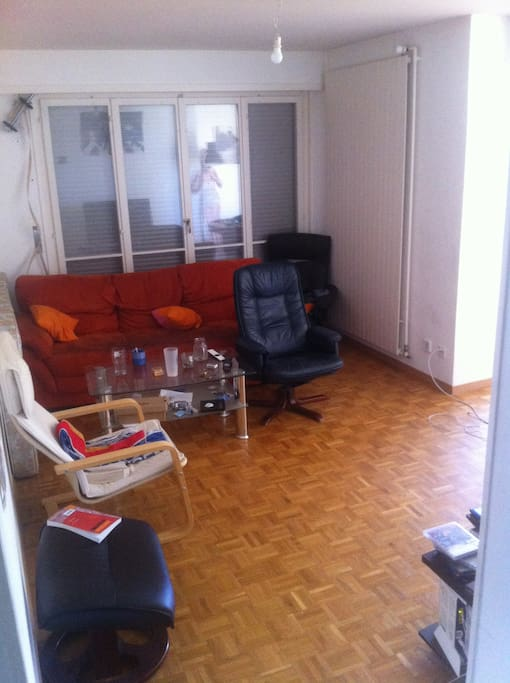 Nice big room 15 min walk from epfl unil and lake for Chambre a louer renens