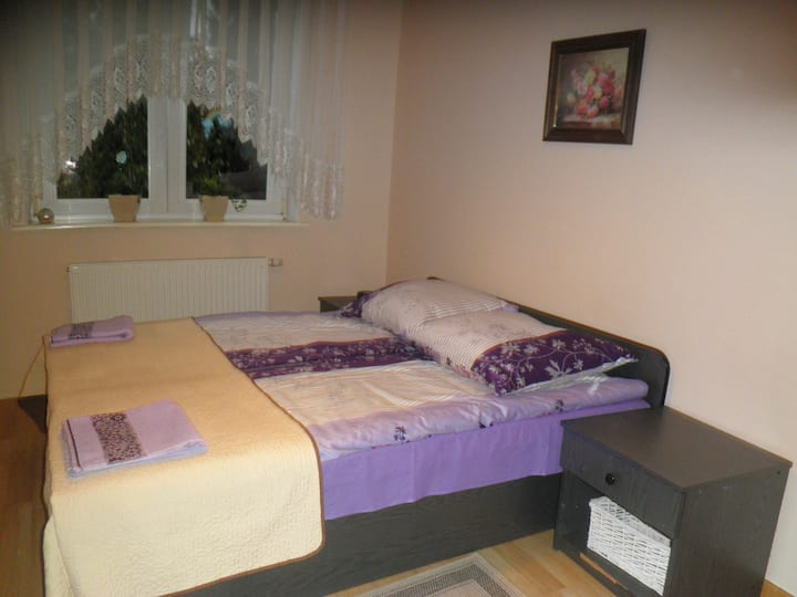 WIELICZKA - Double room with QUEEN SIZE BED.