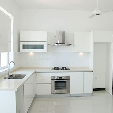 Fully furnished luxury apartment in Nugegoda city