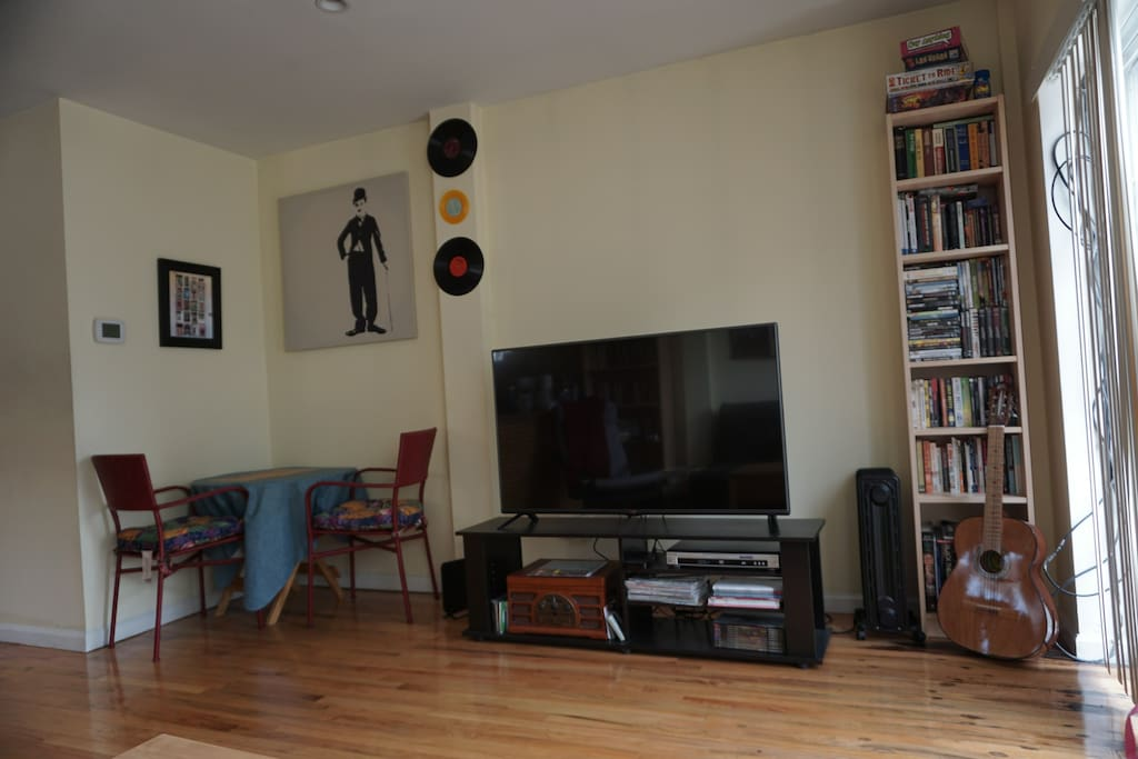 One Bedroom In Beautiful Astoria With Balcony Apartments For Rent In Astoria New York
