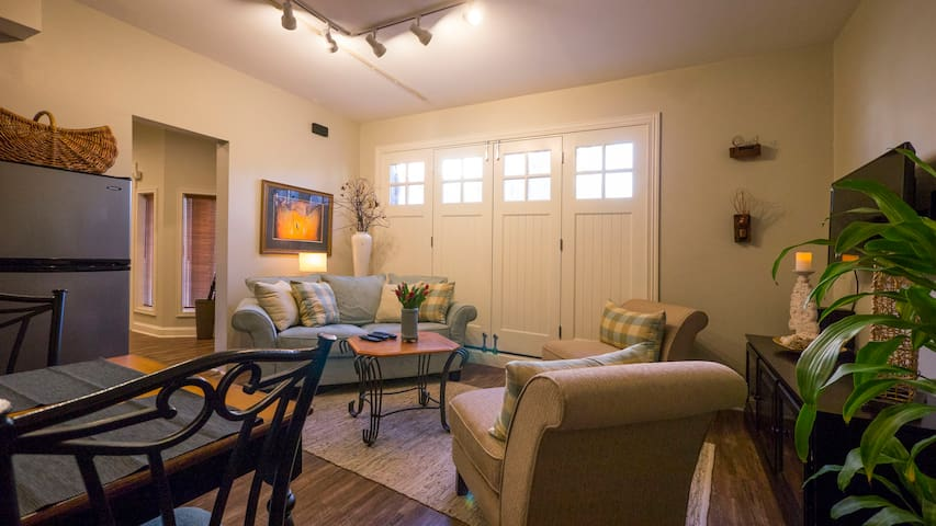 Exec,1 bd apt, parking,centercity - Lancaster - Apartment