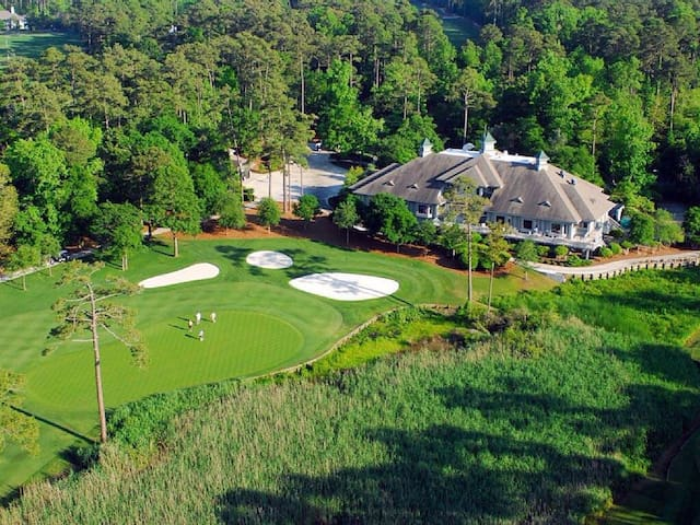 Panoramic Golf Views!Beach in 7min! - North Myrtle Beach - Villa