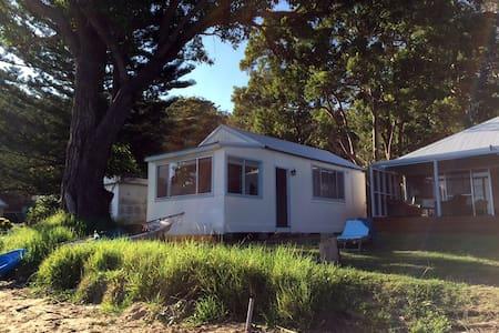 Dangar Island Beach Cabin - Cabin