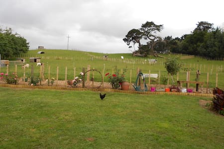 Self-contained, rural, farm unit - Tuakau