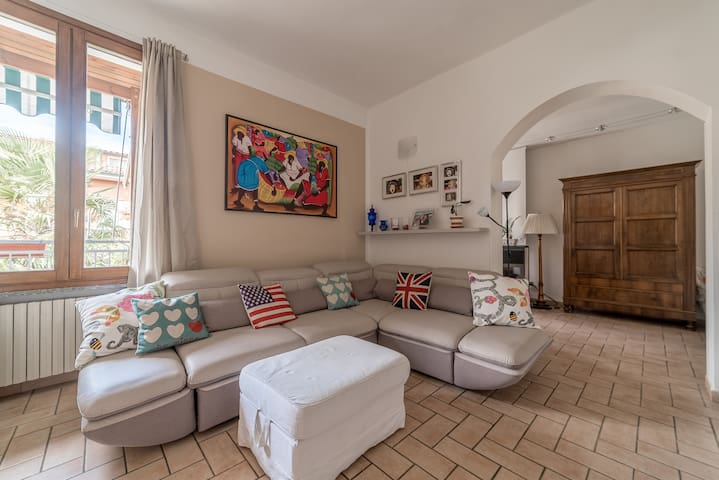 Cozy and bright room with exclusive bathroom - Cremona - Apartment