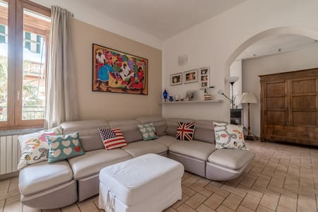 Cozy and bright room with exclusive bathroom - Cremona