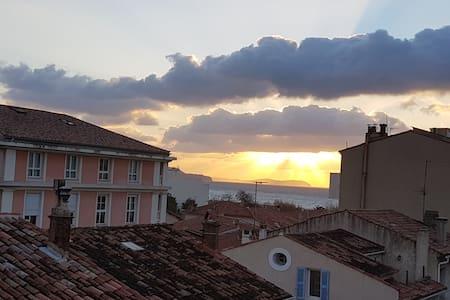 Beau T2 (33m²+balcon)200m plage/centre MOURILLON - Toulon