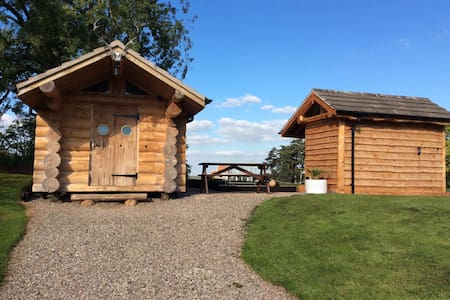 Handcrafted Traditional Log Cabin - Tedstone Delamere