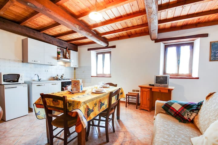 Reposeful Farmhouse in Bagni di Lucca with Private Terrace
