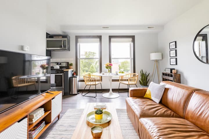 "Perfect ""Little Paris"" Pied-à-terre in Brush Park"
