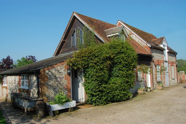 Wonderful, charming & comfortable converted barn. - Old Alresford - Hus