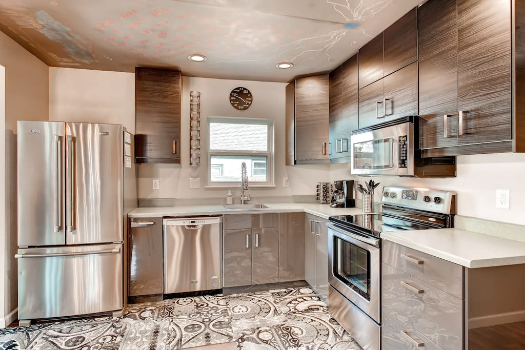 Large Gourmet Kitchen - stainless steel appliances