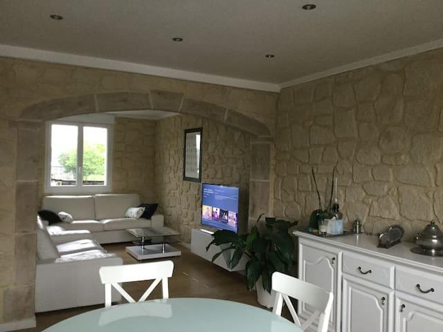 Maison agréable et rénovée avec soin