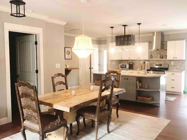 Exceptional Home in Serene Setting +Convenient