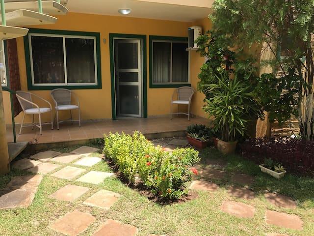 Novíssimo APTO 2/4 em Guarajuba - Camaçari - Apartamento
