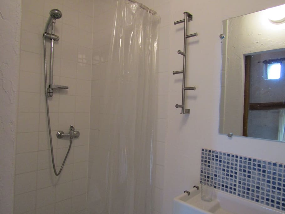 1st Floor double bedroom ensuite shower room
