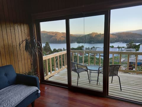 CostaLoft 4 *Terrace overlooking the Valdivia River
