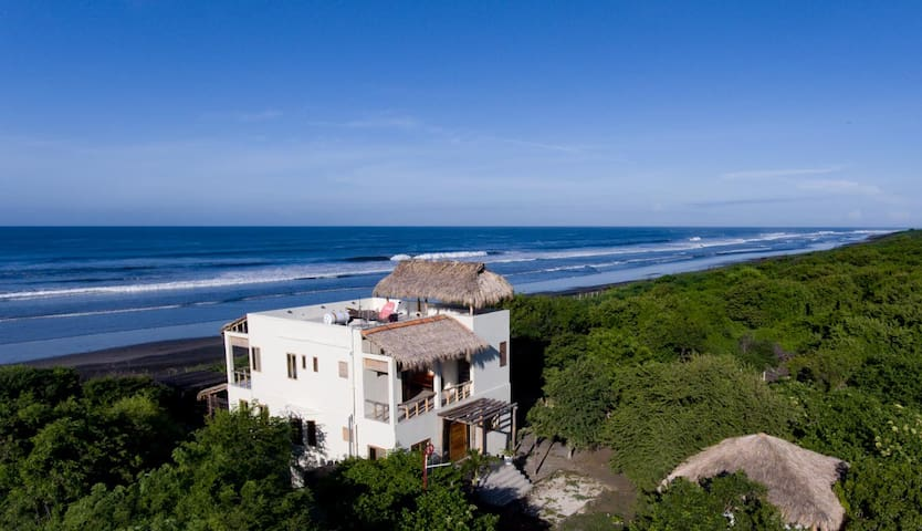 Tres Volcanes Ocean Villa-Secluded Beachfront Home - Salinas Grandes - House