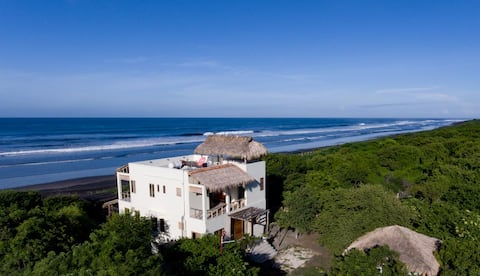 Tres Volcanes Ocean Villa-Secluded Beachfront Home